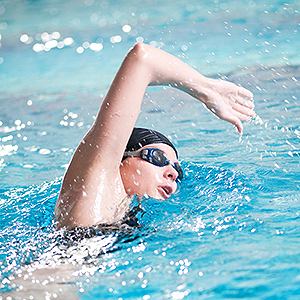 swimming-with-contact-lenses-21